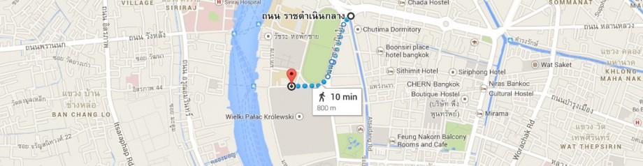 wzdłuż Sanam Luang do Wielkiego Pałacu Królewskiego